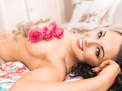 Rose themed boudoir photoshoot