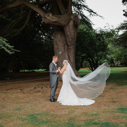 bride-and-groom-stoke-rotchford-gardens