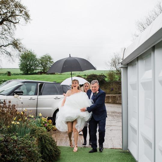 bride-in-rain