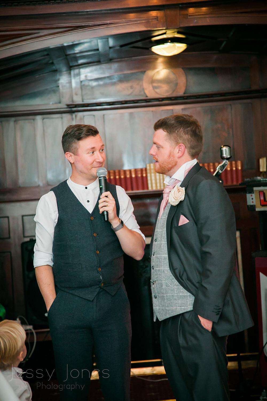 the best singing waiters uk