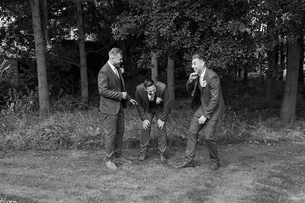 Fun wedding photog