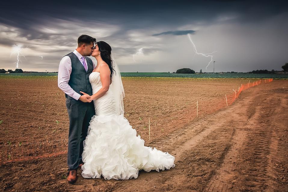 lightning-storm-wedding-photography-jessy-jones.jpg
