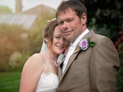 A SWINESHEAD FARMERS WEDDING WITH STYLE - LISA & MIKE