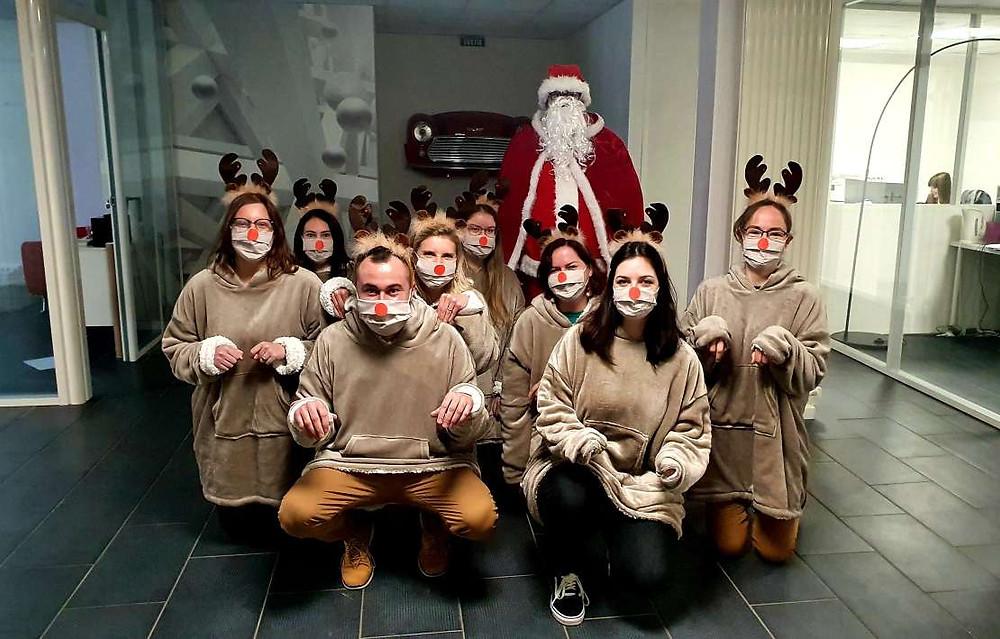 L'équipe de Rennes acheteurs en compagnie du Père Noël