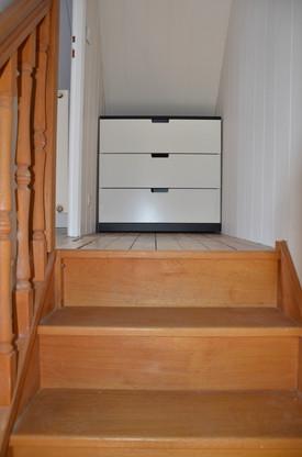 des rangements dansl'escalier