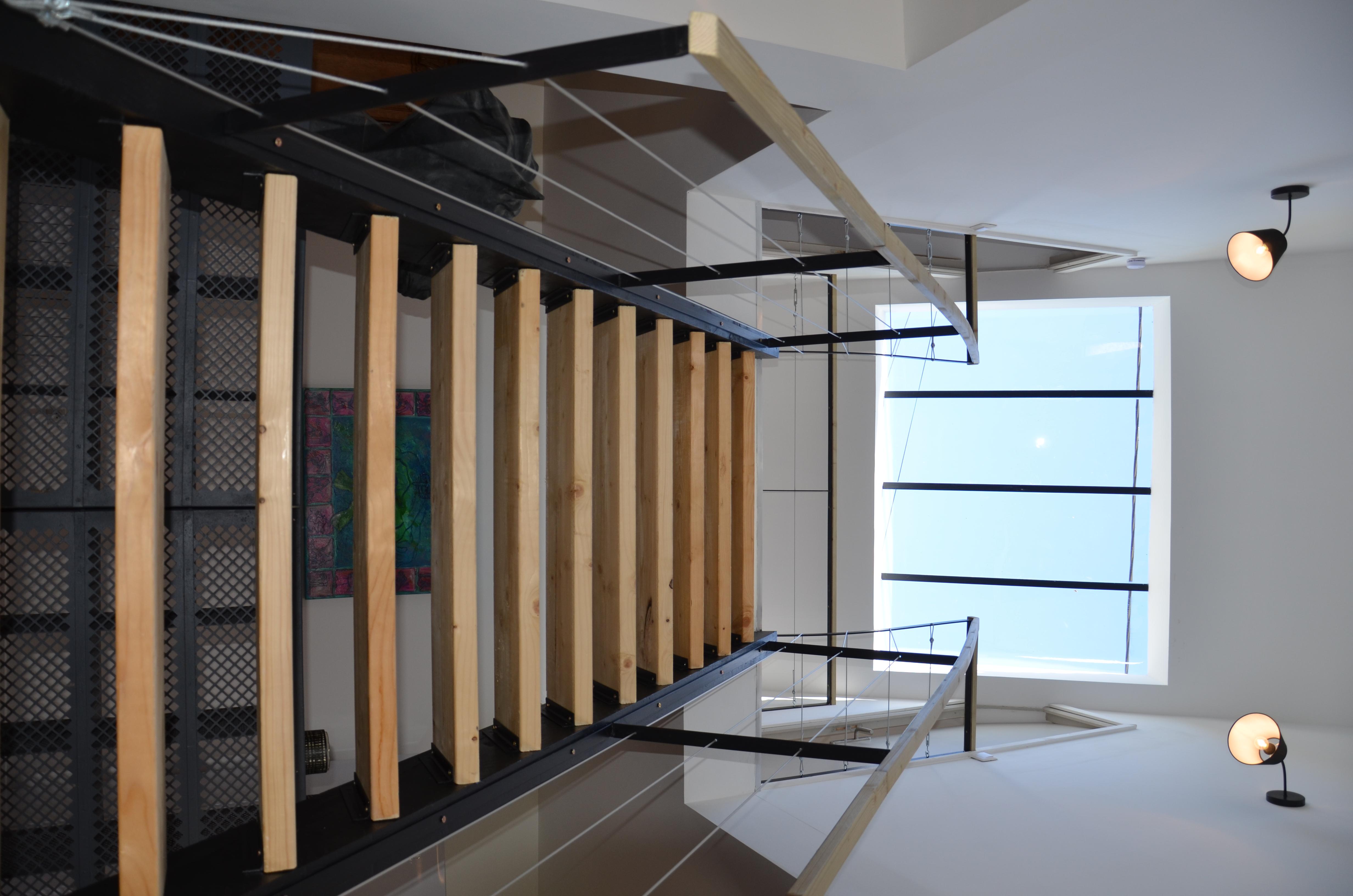 un escalier à l'esprit industriel