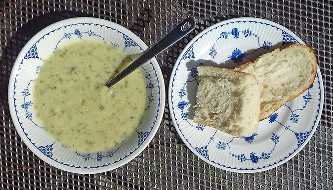 Spicy Thai cauliflower soup