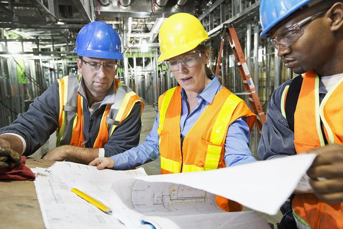 workers-reading-blueprints-on-site-181215658-59eaadfb0d327a0010c48180-w900h450