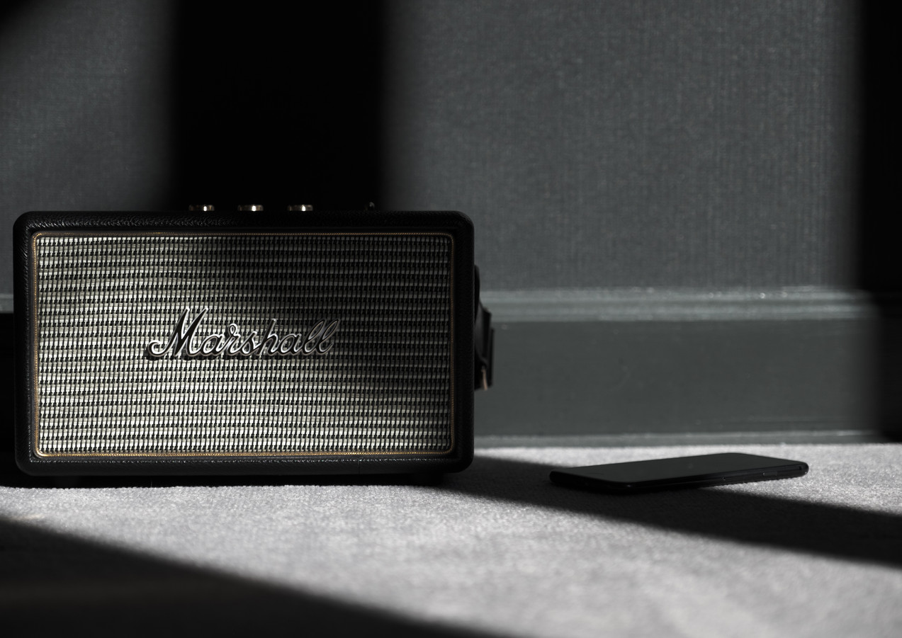 Marshall sound speaker in the hotel room