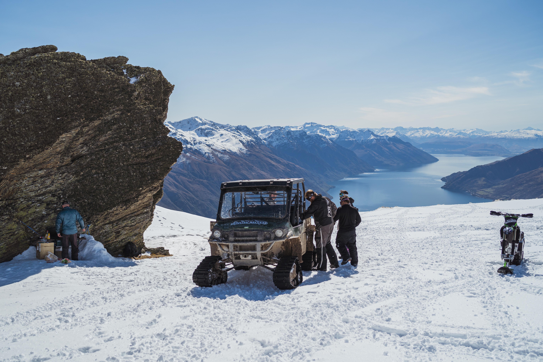 Snow Sight Seeing Tour