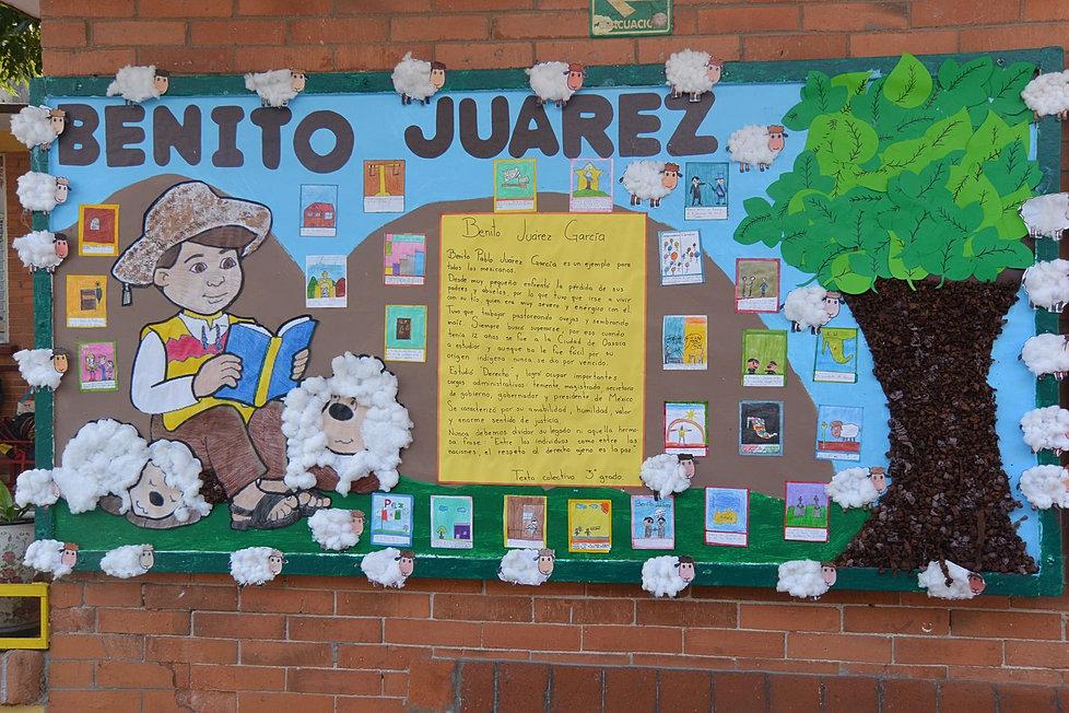 Jard n de ni os y primaria escuela activa for Elementos del periodico mural