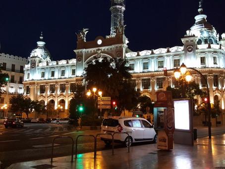 València- Stadt des Lichts mit mediterranem Herzen