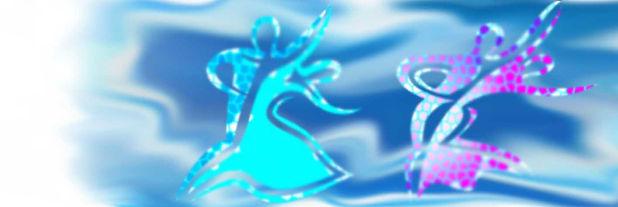 танцулька-женщины-в-платье-голубой-воды-