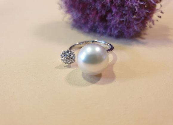 18krt witgouden ring met briljant en zuidzee parel