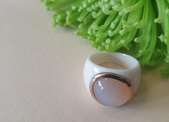 Keramiek ring met roségoud en maansteen