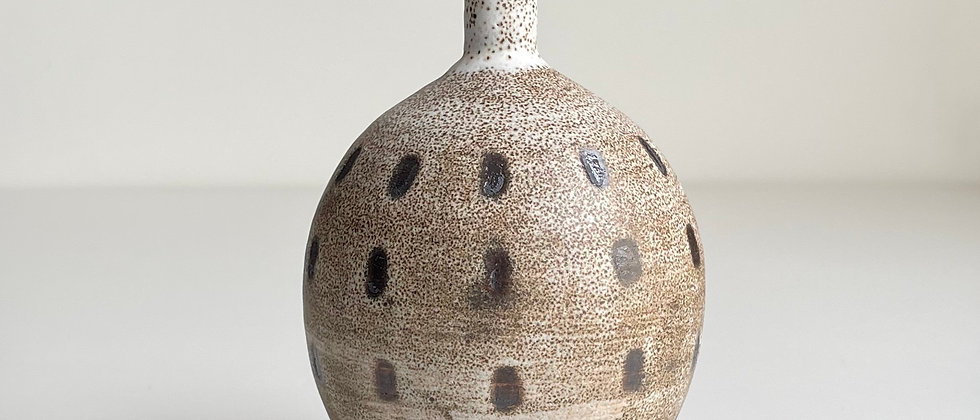 Vase Sand With Dots