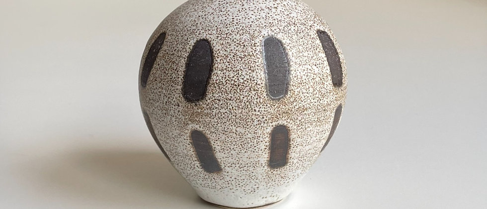 Vase Sand With Lines