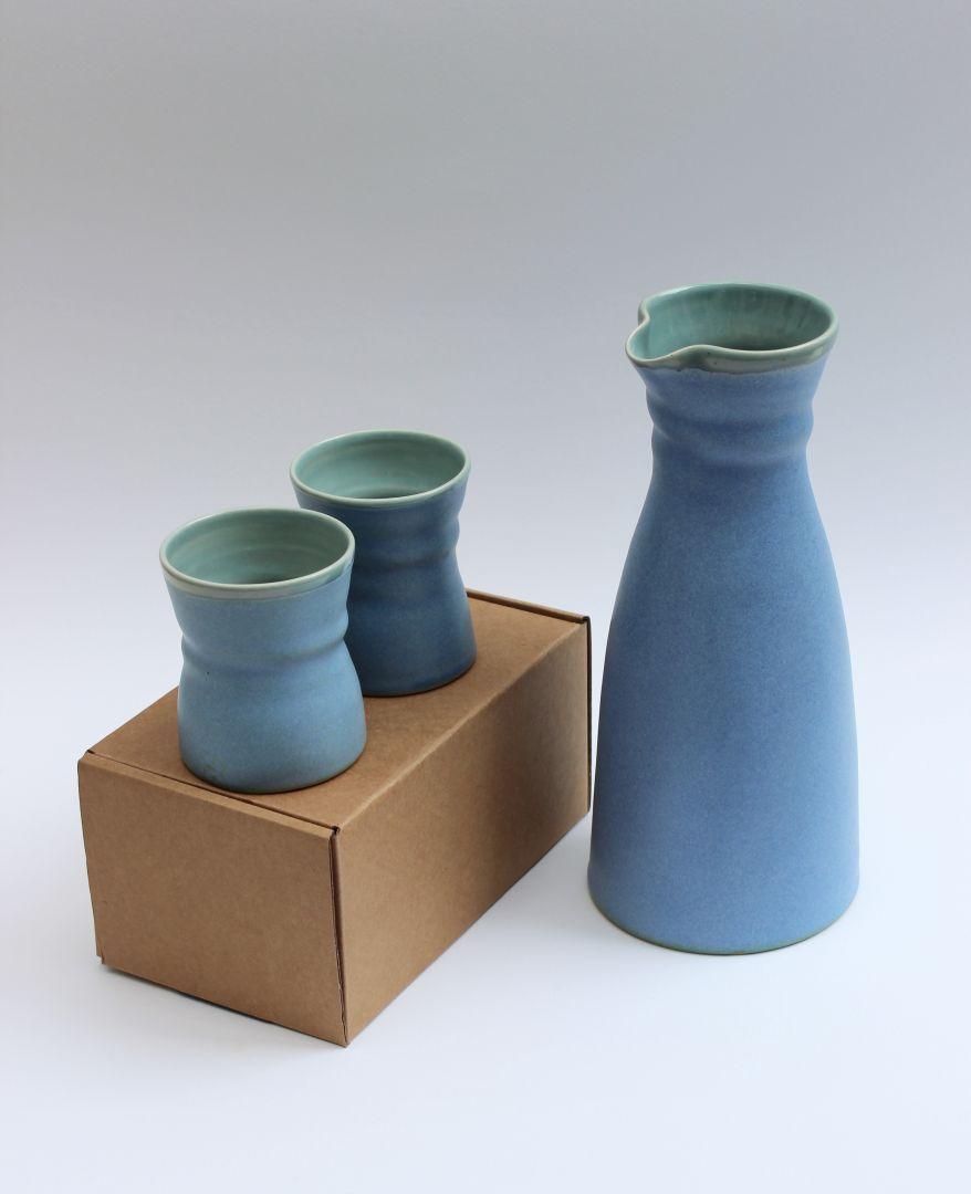 blue carafe beakers