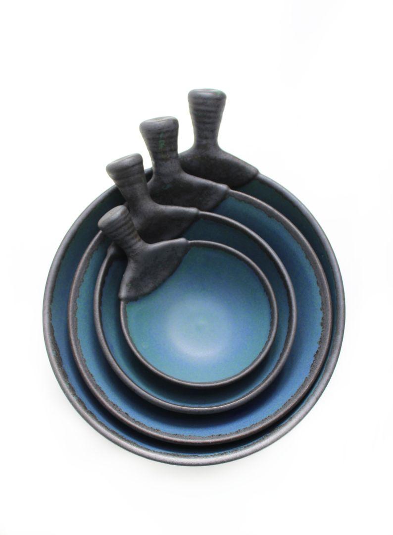 dark blue bowls