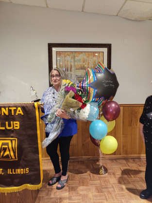 JOLIET ZONTA CLUB AWARDS ANNUAL WOMAN OF THE YEAR