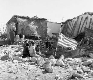Τα περί χρημάτων και πύργων και το έπος του 1955