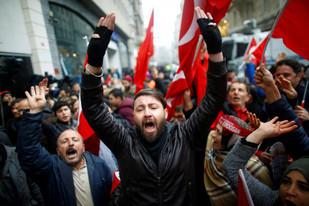Ισλαμικός εφιάλτης; Όλη την Ευρώπη υπό την ημισέληνο ονειρεύονται οι Τούρκοι.