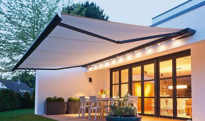 Awning with Intergrated Lights