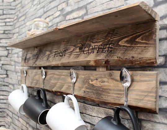 Mug hanger with shelf