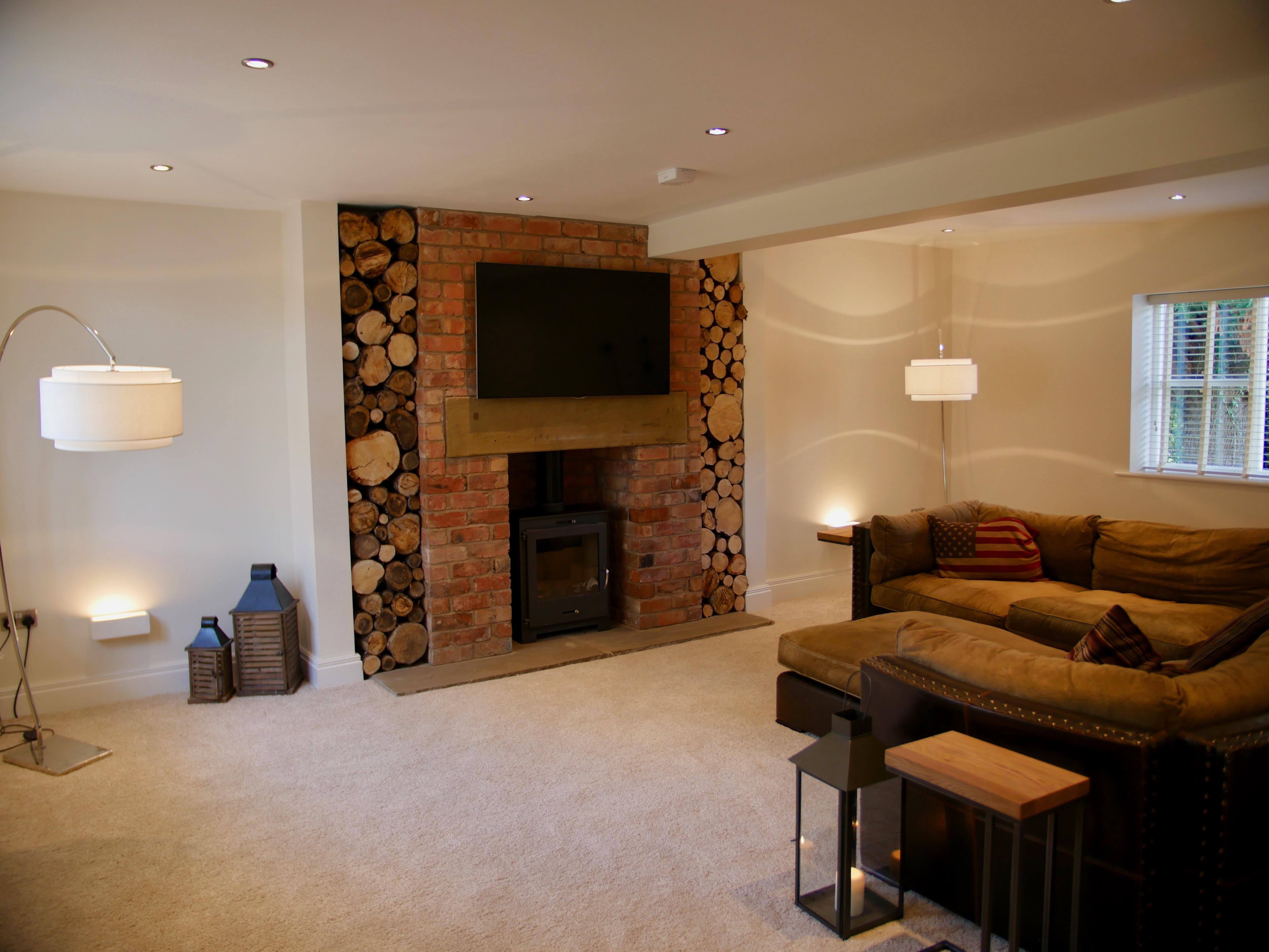 24) lounge 6