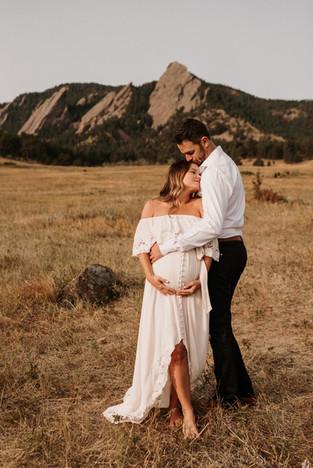 Kristin + Mark Maternity Sneaks_Jmark Ph