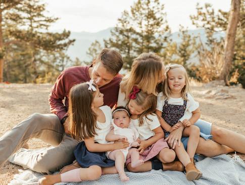 Elle Rhoads & Family Sneaks_Jmark Photog