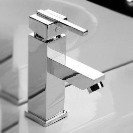 Short Faucet 36