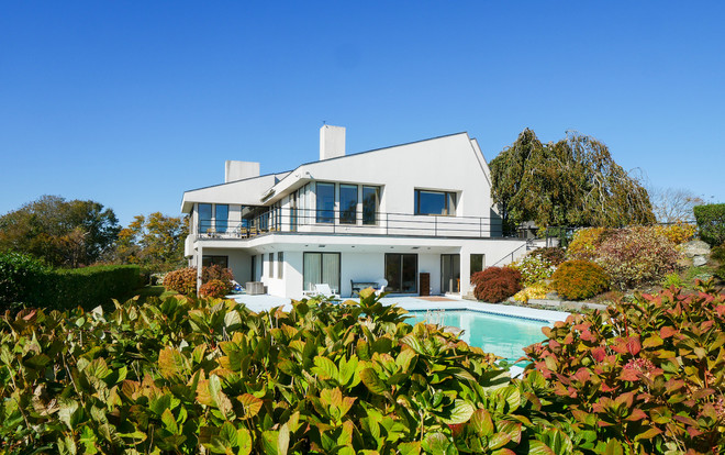 FITZPATRICK-TEAM-luxury-listing-newport-