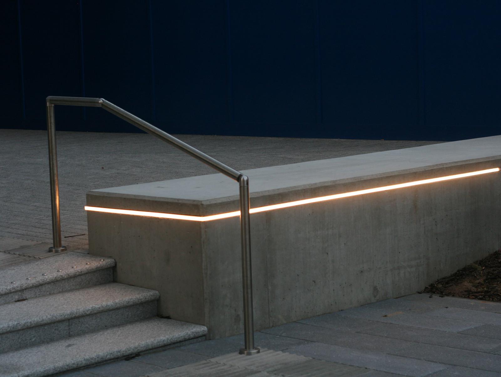 Exterior light fixtures architectural lighting london skialight arubaitofo Image collections