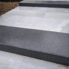 Création d'une allée en bloc marche et dalles Grès Cérame