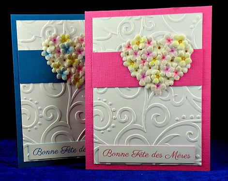 Petits cartes fête des mères avec coeurs fleuris