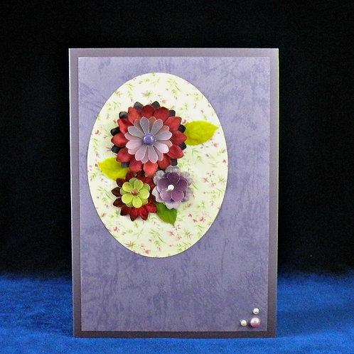 Carte avec fleurs auve-rouge