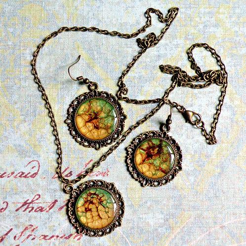 Ensemble collier et boucle d'oreilles cabochons
