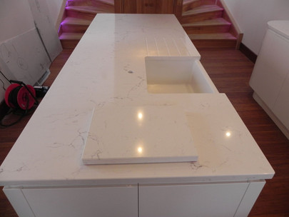 Island made out of 30mm thick Unistone Carrara Misterio Quartz