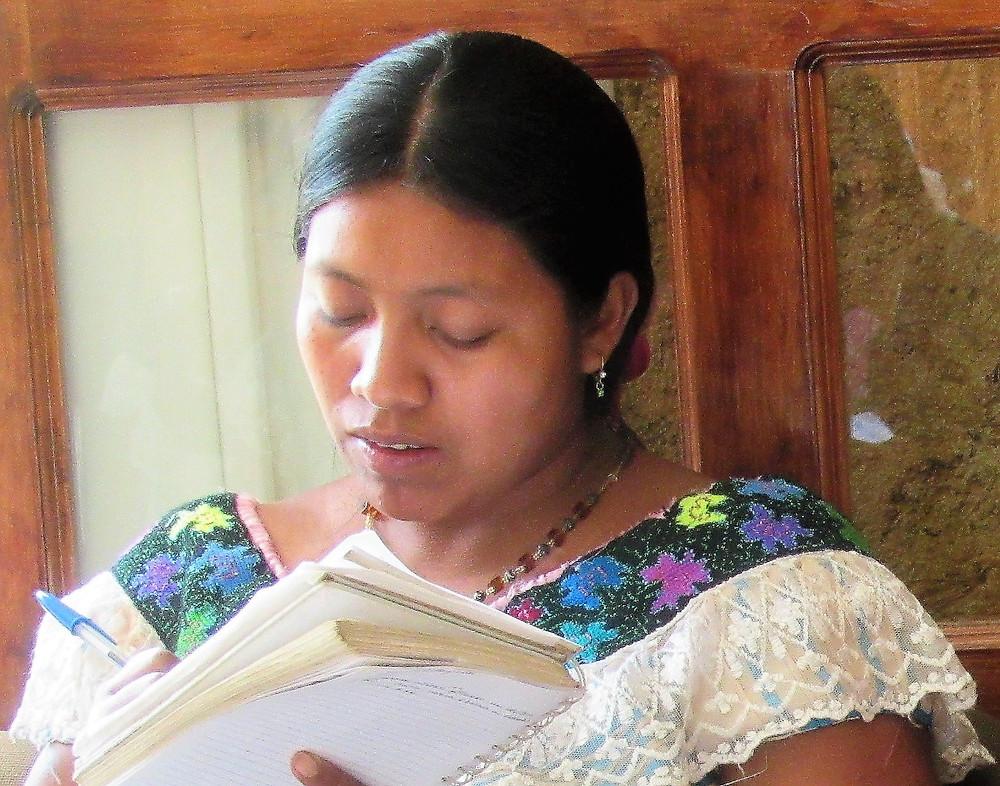 María del Carmen Álvarez Pérez, a midwife apprentice