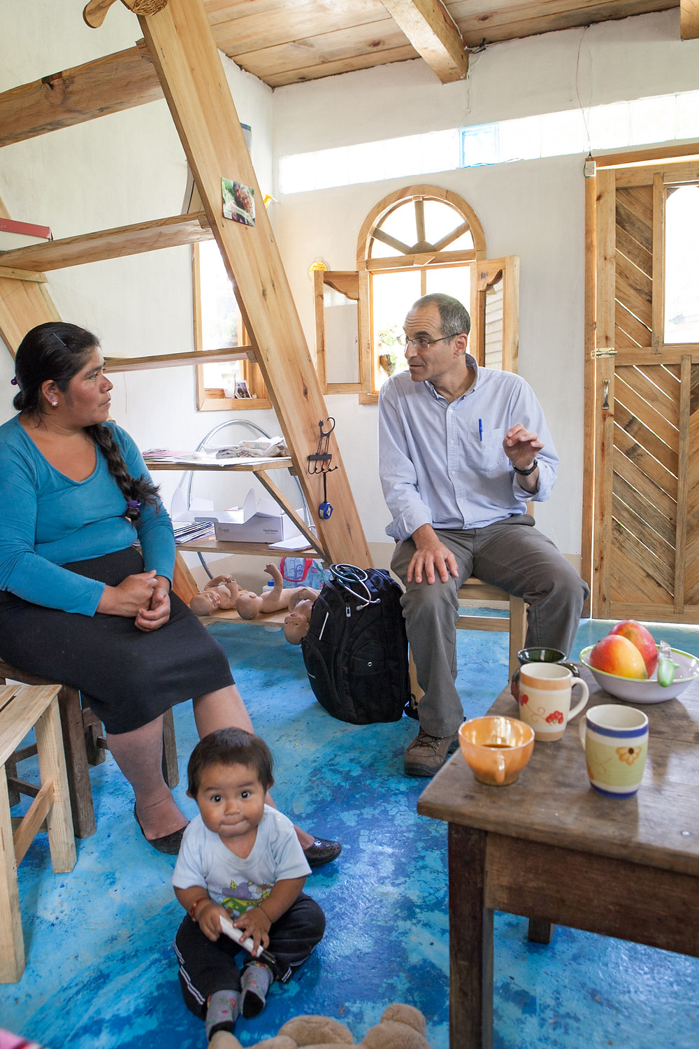 Luisa, a midwife and Dr. Scott Cohen during a training.
