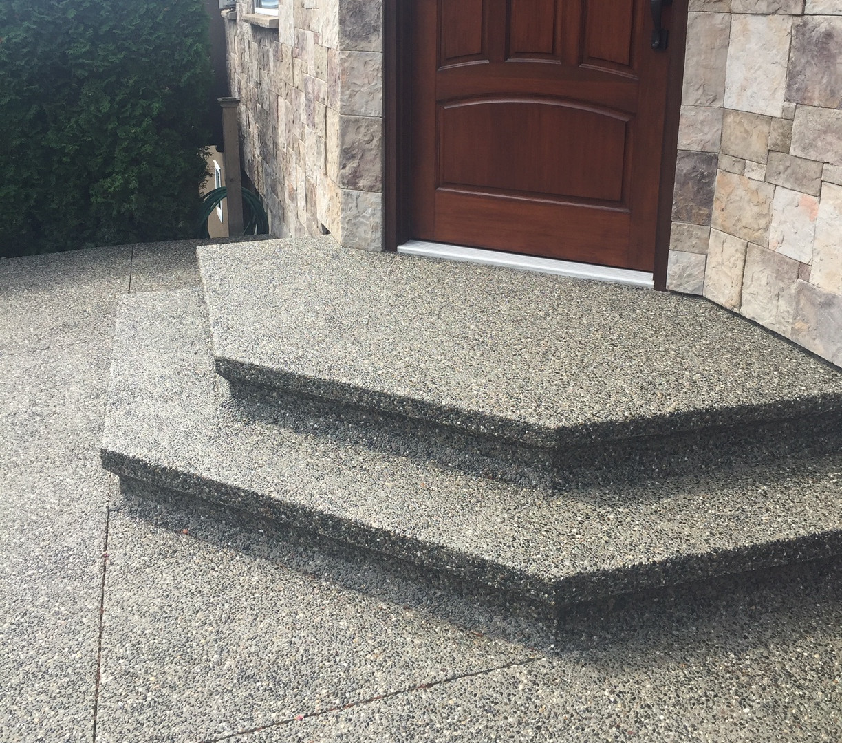 exposed-aggregate-concrete-stairs-19049.