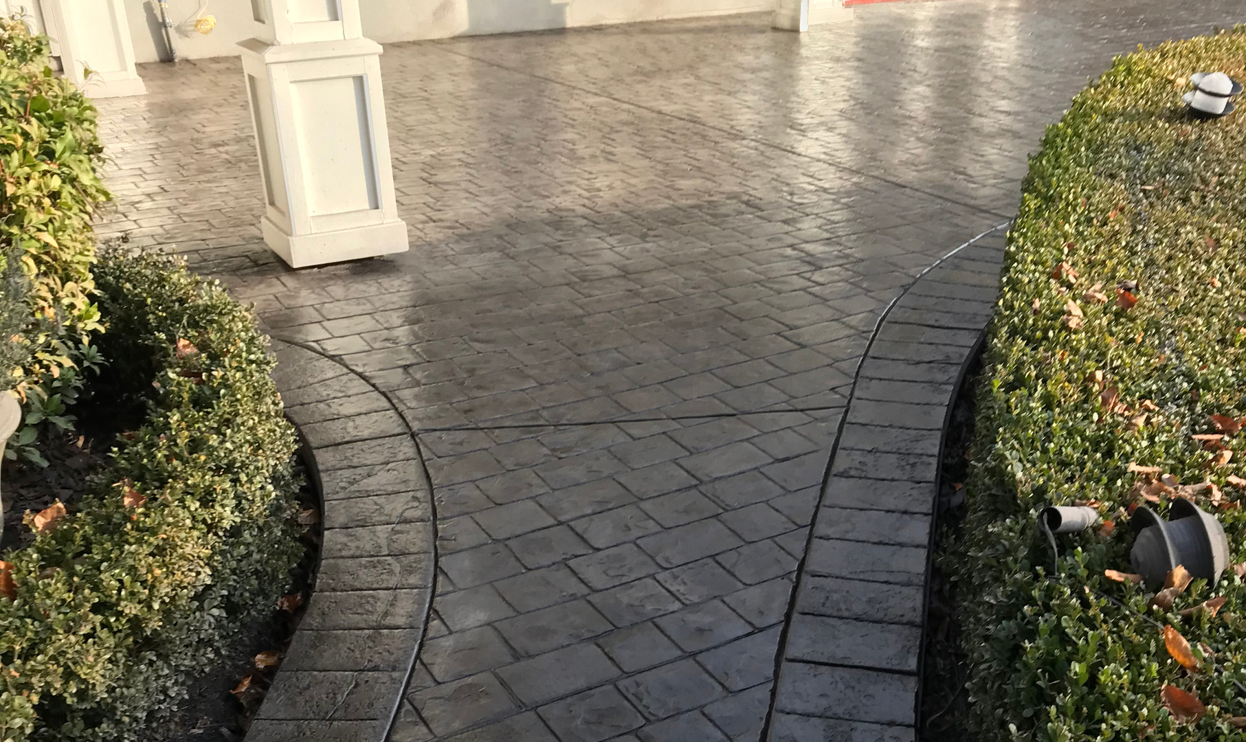 stamped-concrete-walkway-18191.jpeg