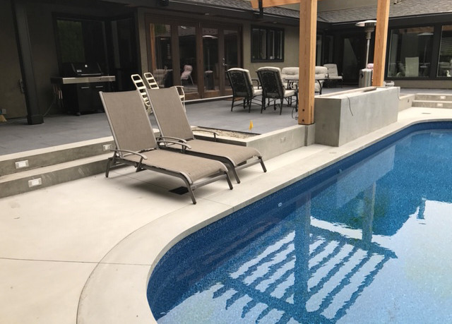smooth-concrete-pool-deck-02-99999-01.jp