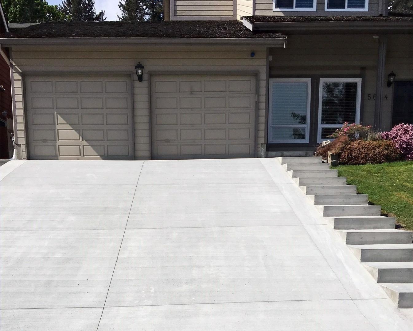 broom-concrete-driveway-18060_edited.jpg
