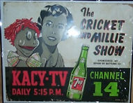 kacy_cricket&millieshow_signpicture7up-m