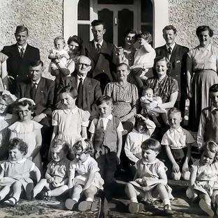 Brendan Crosbie Family Photos (9 of 21).