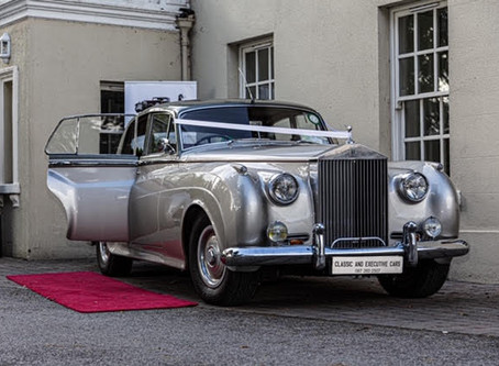 Arrive in Style with Classic and Executive Cars!