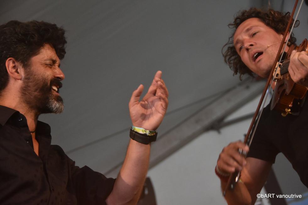 Edwin Vanvinckenroye (fiddle) & Raphael De Cock