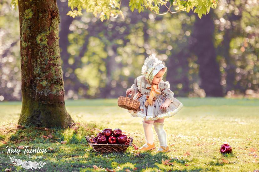 Penelope Apples-13.jpg